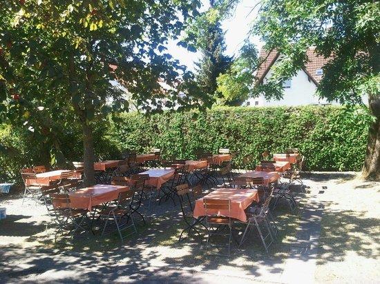 Pizzeria Krone bei Nino : Garden schön