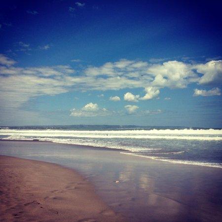 Padma Resort Legian: Индийский океан во всей красе) но волны некупательные совершенно