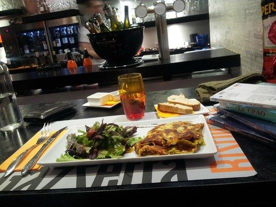 Gazzetta : Vue sur le bar du restaurant...