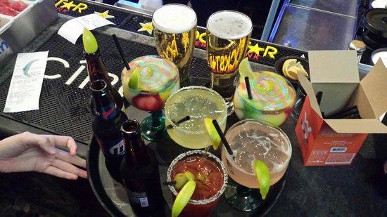 Javelina Cantina: Drinks a plenty!