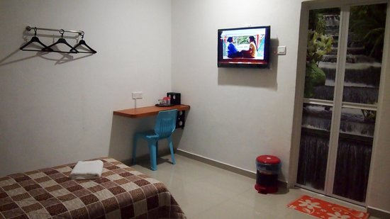 Manjung District, Malaysia: Led TV, Sound system, big bathroom w/ hot shower