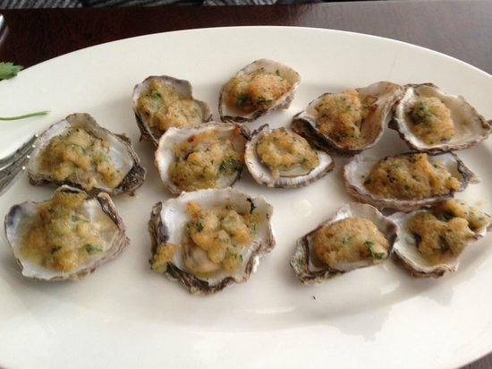 Seven Seafood & Grill: Baked Oysters