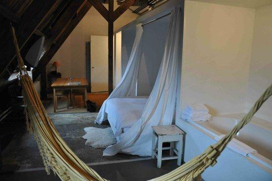 Lloyd Hotel & Cultural Embassy: Room 608 - a 5* room
