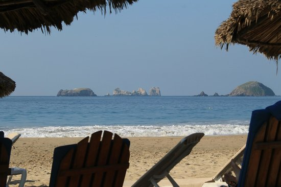 Sunscape Dorado Pacifico Ixtapa: The Rocks