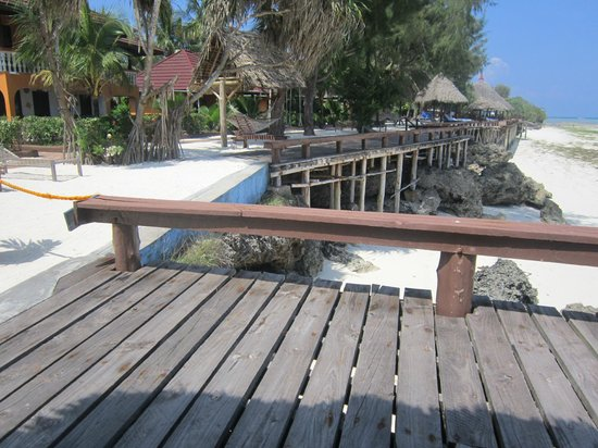 Mnarani Beach Cottages: beautiful site of the hotel ocean front