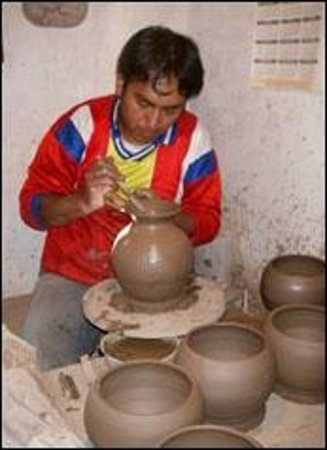 Cusco Native Day Tours & Treks: PRACTICANDO CERAMICA EN CHICHUBAMBA