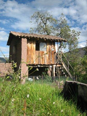 Cusco Native Day Tours & Treks: CABAÑA DE MADERA