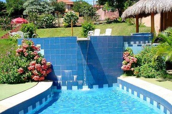 Hotel Vivenda Das Cachoeiras : Piscina Infantil de dia