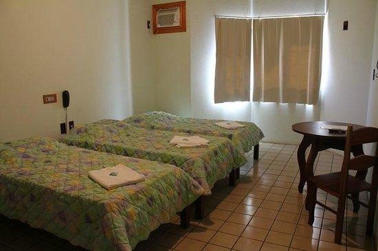 Hotel Vivenda Das Cachoeiras : Apartamentos com Ar Condicionado, TV e Frigobar