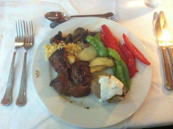 Hotel Riu Palace Bavaro: een van de samengestelde maaltijden in buffetrestaurant