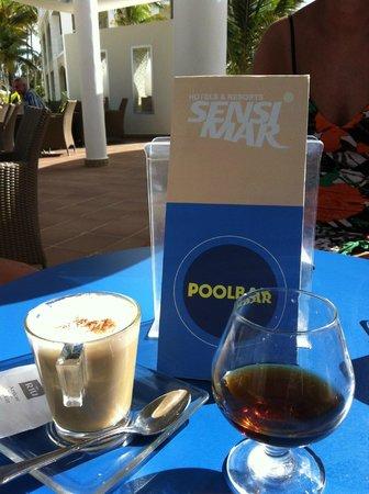 Hotel Riu Palace Bavaro: poolbar Sensimar