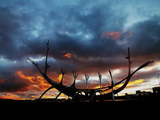 Solfar (Sun Voyager) Sculpture : Daybreak