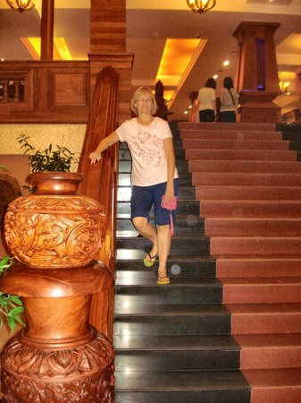 Prince D'Angkor Hotel & Spa: Stairs to restaurant