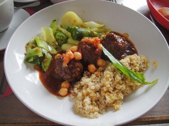 WASA Ethnik Food: Homemade meatballs / quinoa / leeks.