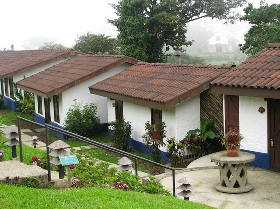 Villa Blanca Cloud Forest Hotel and Nature Reserve: Our casita with the chapel in background