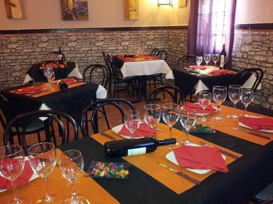 Restaurante Bar El Forn : foto del salon.