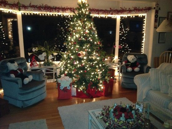 Rosemary Inn: Christmas at Denniston By The Sea