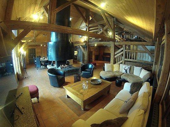 Snow Candy - Chalet La Plagnette: Open plan living area