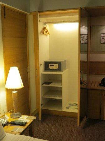 Fariyas Hotel Mumbai : 2