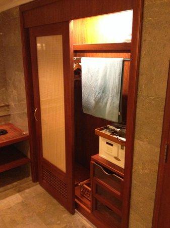 The Laguna, a Luxury Collection Resort & Spa : Bathroom