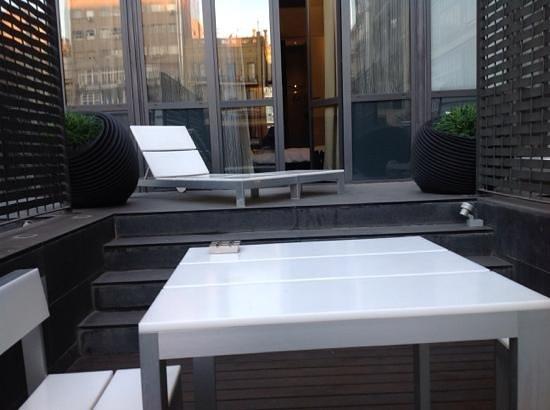 Sixtytwo Hotel: terraço privativo anexo ao nosso quarto.