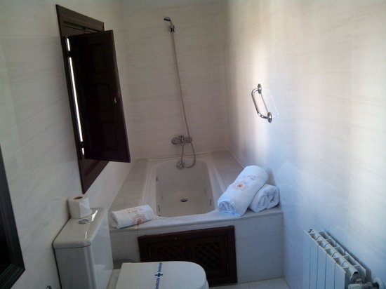 Palacio de Santa Ines : Baño junior suite Boabdil