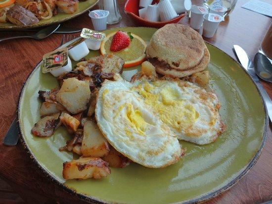 High Peaks Resort: Breakfast