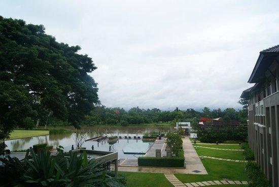 Le Meridien Chiang Rai Resort: Piscina, Rio