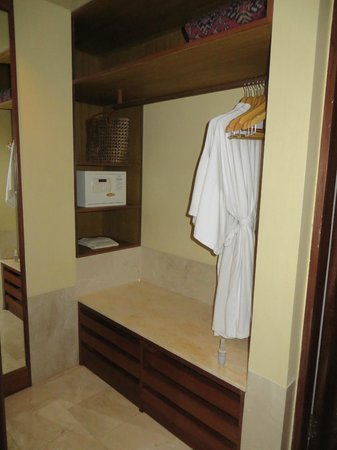 Komaneka at Rasa Sayang: Closet area with safe in bathroom