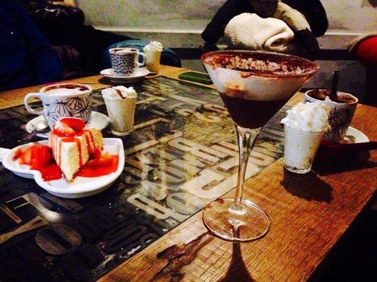 Hemingway : Cioccolate e cheesecake alla fragola.