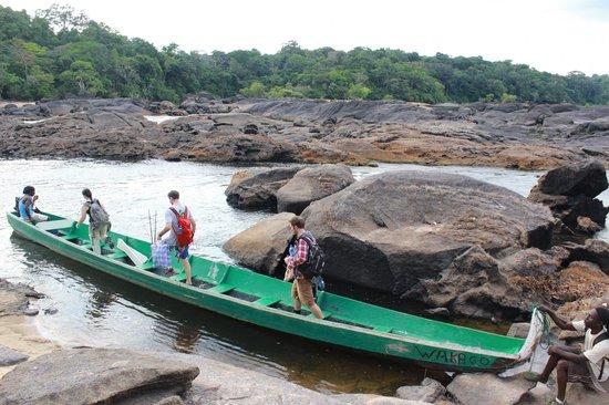 Foundation for Nature Preservation (Stinasu): Boarding the river boat