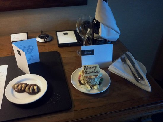 Fairmont Chateau Whistler Resort: Birthday surprise treat upon entering the room