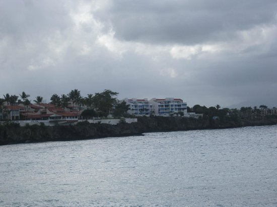 Condo Hotel Plaza Europa: Houses on the Beach