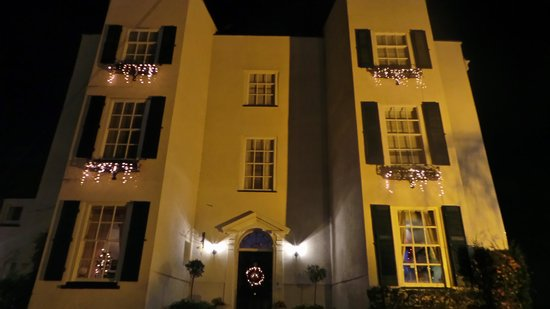 Alcombe House Hotel: front by winter night