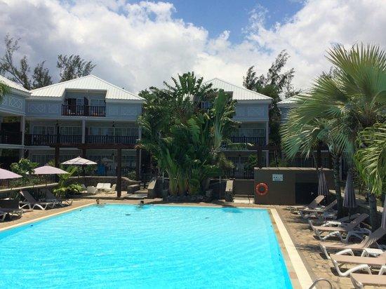 Hotel Les Creoles: piscine de jour