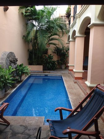 Casa San Francisco: pool/courtyard area - rooms are on right