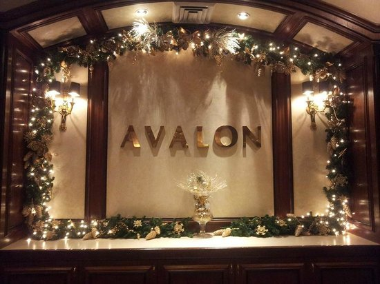 Avalon Hotel : Front Desk