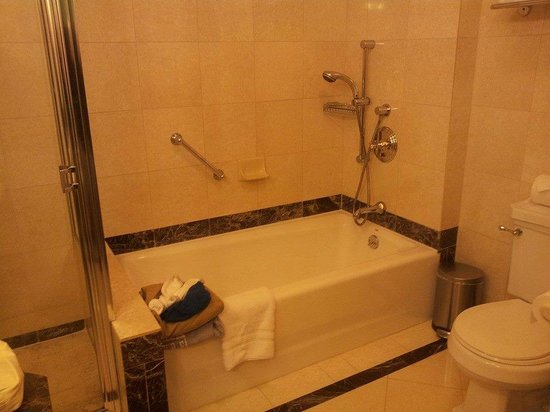 Avalon Hotel: Deluxe Suite Rm 1103