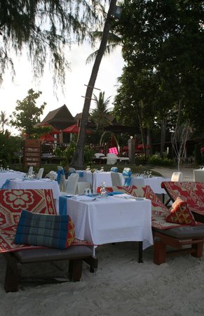 Amari Koh Samui : Dinner buffet on the beach