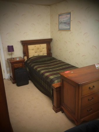 Kings Arms and Royal Hotel: Single Bedroom