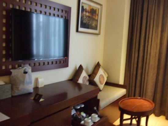 Paragon Saigon Hotel : Pequeño sofa