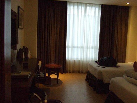 Paragon Saigon Hotel : Habitacion amplia