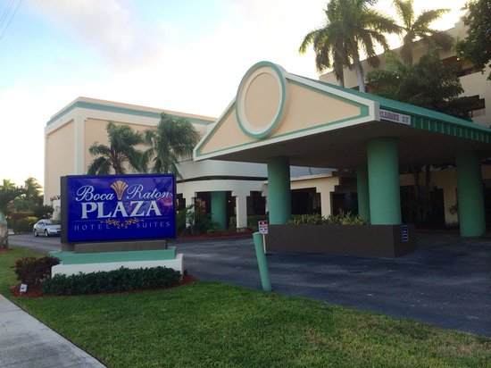 Boca Raton Plaza Hotel and Suites: Front view