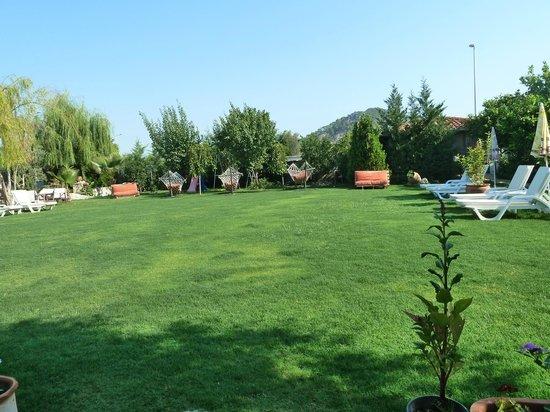 Crescent Hasirci Hotel & Villas: Huzur veren bahçesi