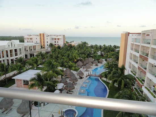 Excellence Playa Mujeres : Our suite in building 7, which I thought would be closer to the beach, not just facing it.