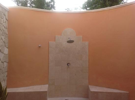 Paradisus Rio de Oro Resort & Spa: outoor shower in royal suites