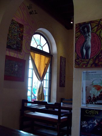 Tamal Gallery: window seat
