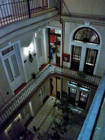 Milhouse Hostel Hipo : Pretty view of the 19th century Building