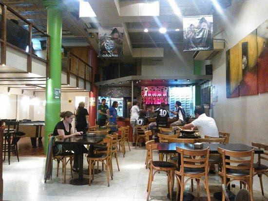 Milhouse Hostel Hipo: Bar area