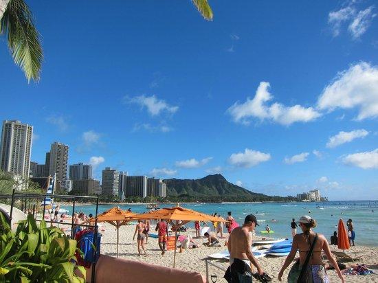 Sheraton Waikiki: Adjacent Beach